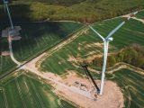 Farma wiatrowa z lotu ptaka