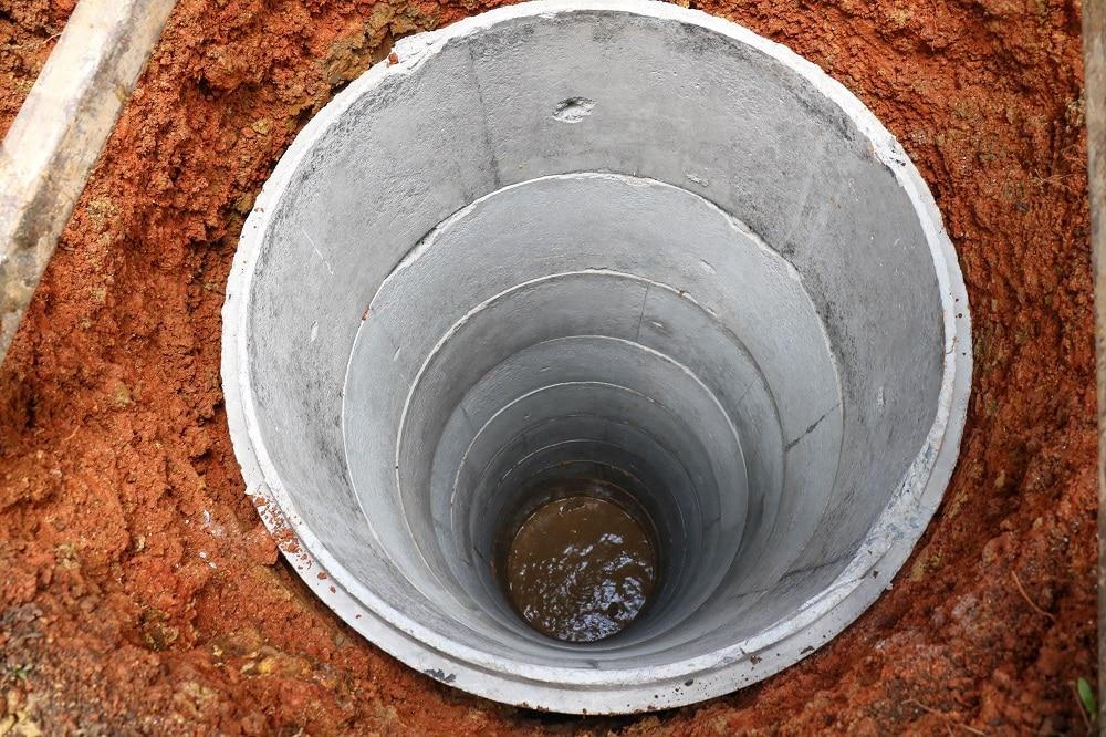 Studnia głębinowa – kiedy warto się na nią zdecydować?